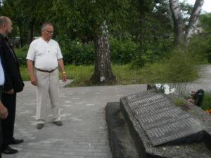 Maailmasõjas-langenute-mälestuse-austamine-Buraševo-asulas-09.06.2011