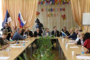 2012.-Ümarlaud-Buraševos.-Rumjantsev-Rozkov-Kiverik-Tedre-Latt-Aino-Kiiver-jt
