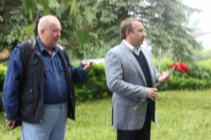 Aleksander-Hartšenko-ajakirjanik-ja-Buraševo-volikogu-esimees-Sergei-Rozkov