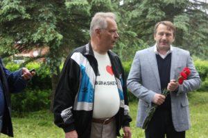 Henn-Latt-ja-Sergei-Rozkov-sõjas-langenute-monumendi-juures