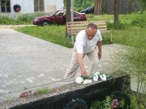 Lilled-2.-Maailmasõjas-langenutele-Burasevo-Henn-Latt